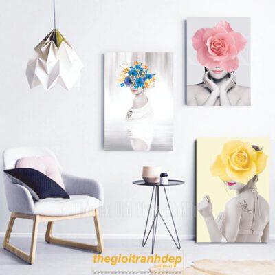 Tranh treo tường cô gái và hoa