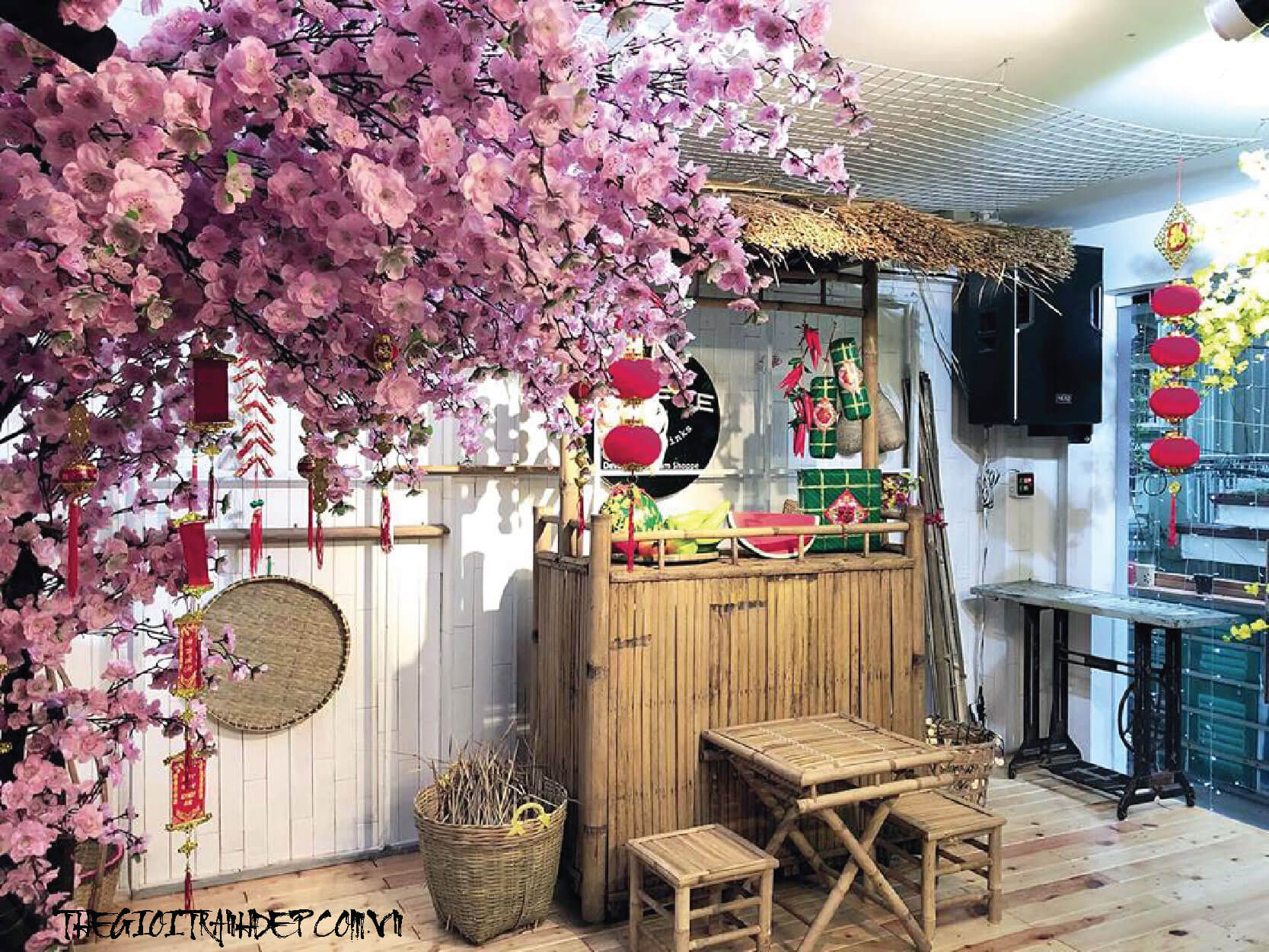 trang-tri-quan-cafe-11