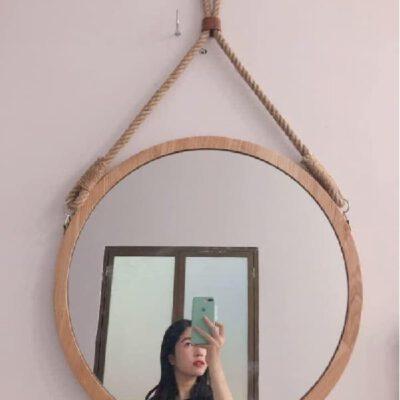Gương trang điểm tròn viền gỗ có dây 2