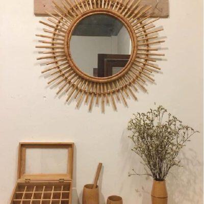 Gương trang điểm tròn viền tre