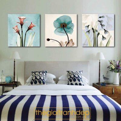 Tranh treo tường phòng ngủ chủ đề hoa