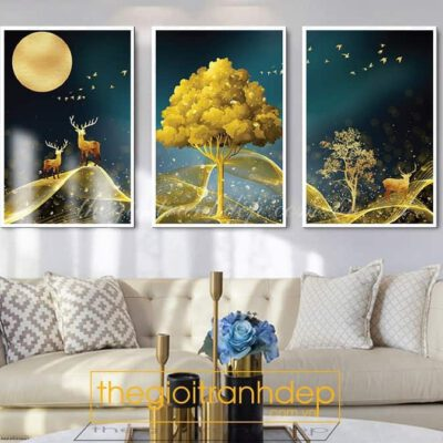 Tranh treo tường hươu vàng dưới ánh trăng