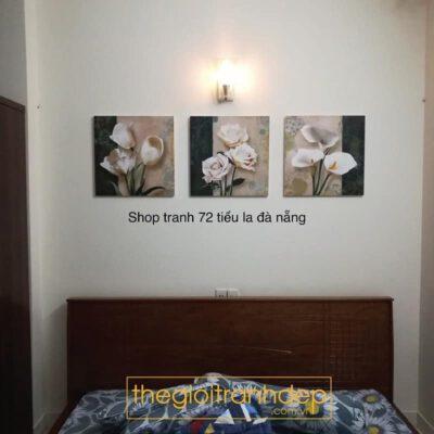 Tranh treo tường phòng ngủ chủ đề hoa 5