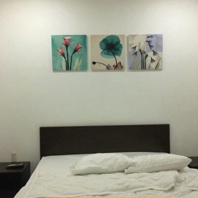 Tranh treo tường phòng ngủ chủ đề hoa 6