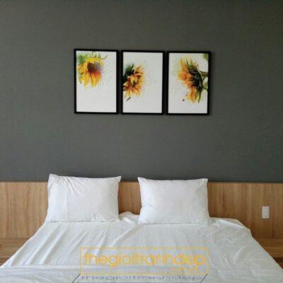 Tranh treo tường phòng ngủ hoa hướng dương