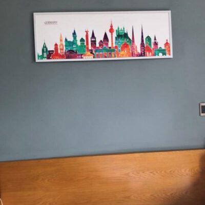 Tranh treo tường phòng ngủ thành phố muôn màu