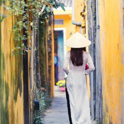 Tranh treo tường thiếu nữ Việt 1