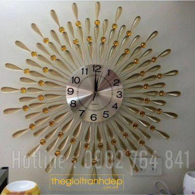 Đồng hồ treo tường hoa mặt trời đá vàng
