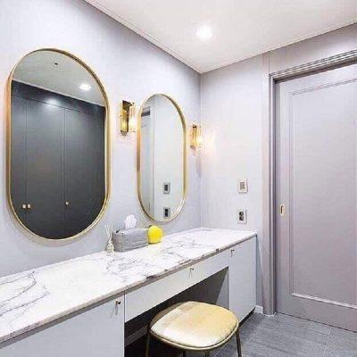 Gương nhà tắm viền sắt cong