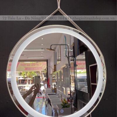 Gương đèn led dây da treo tường cảm ứng