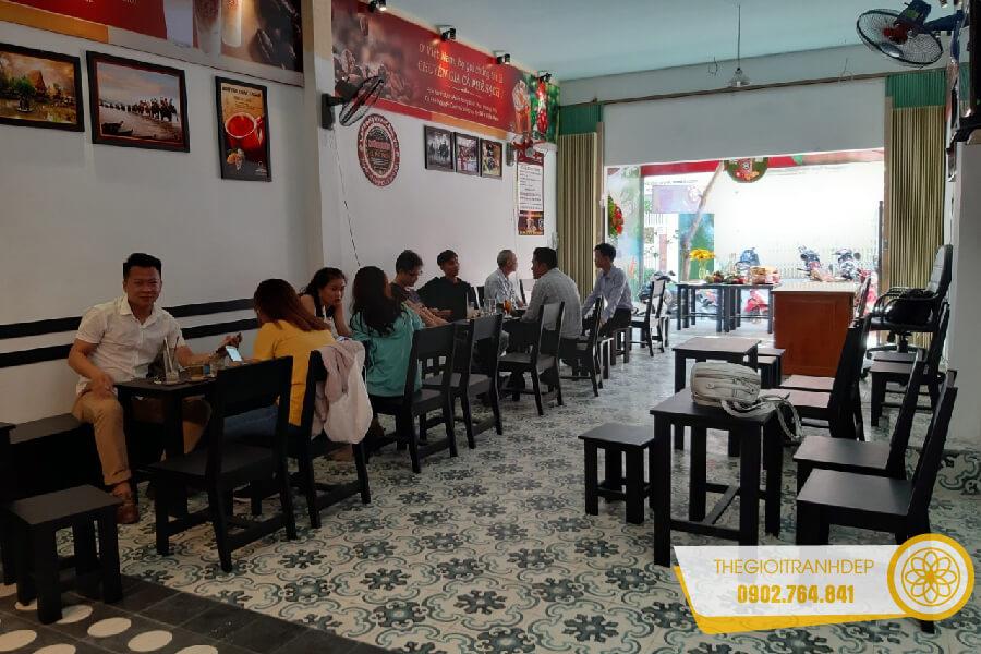 tranh-treo-tuong-quan-cafe-13